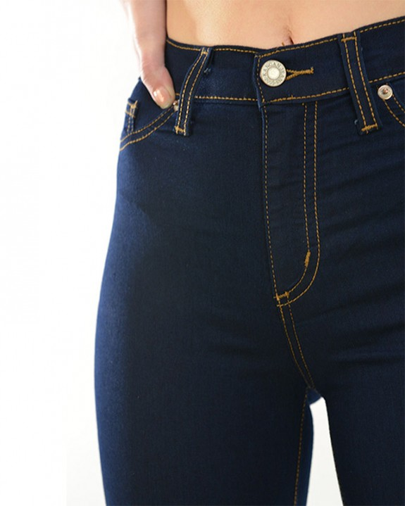 Dark-Denim-High-Waist-Jeans-Closeup